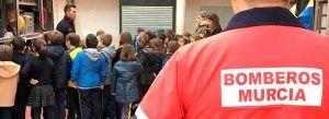 visita-de-los-bomberos-de-murcia-al-colegio