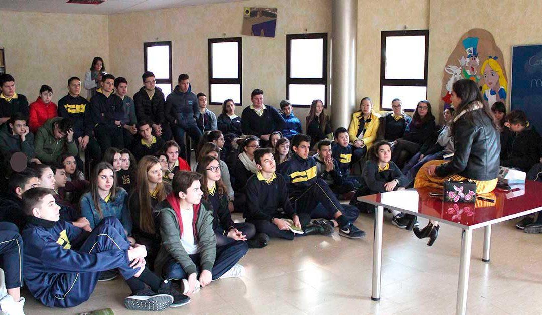 Visita de Espido Freire, el Premio Planeta más joven.